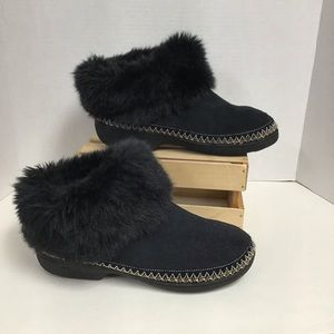 Isotoner Slipper Bootie Faux Fur 7.5 / 8 Black